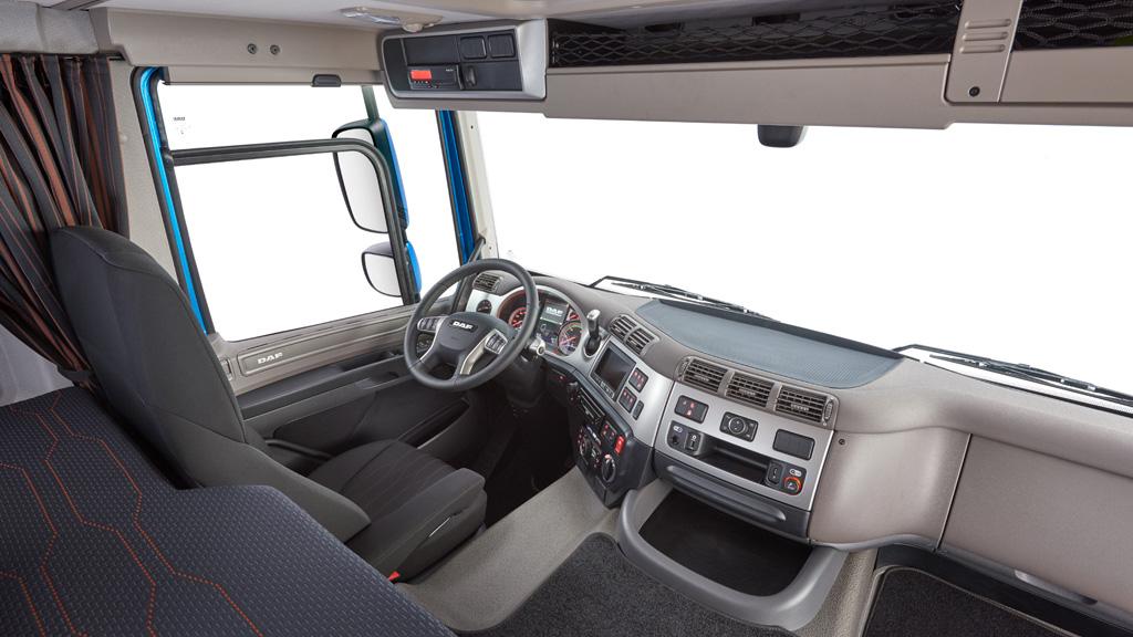 DAF CF interior